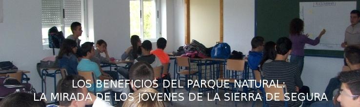 alumnado asistiendo a un taller sobre recursos del parque